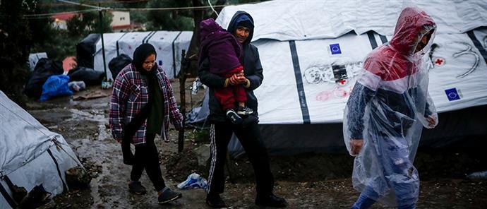 b57623555371 The Times  χωματερές για πρόσφυγες τα ελληνικά νησιά